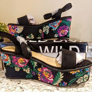 Black Floral Emroidered Platform Sandals